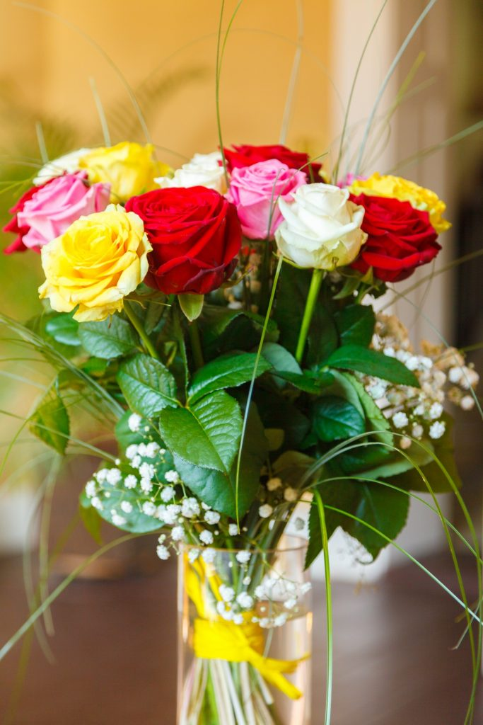 colorful-roses-bouquet-1467549364hbi